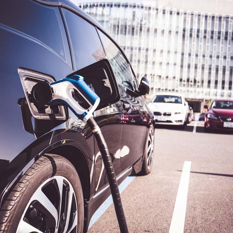 電気自動車推進、自治体で活発化